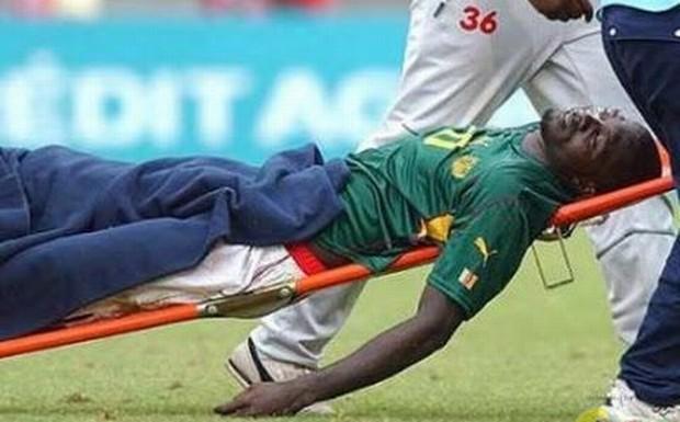 Ντροπή: ποδοσφαιριστής σκοτώνεται μες στο γήπεδο από ρίψη αντικειμένου
