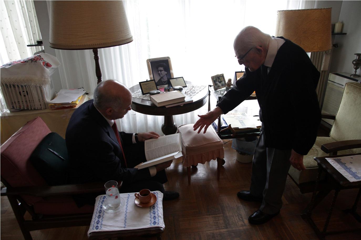 Εμμανουήλ Κριαράς: Έφυγε σε ηλικία 108 ετών ένας μεγάλος δάσκαλος