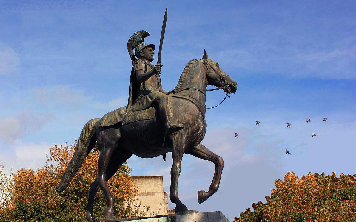 Ο βασιλιάς Πύρρος και το εκλογοδικείο