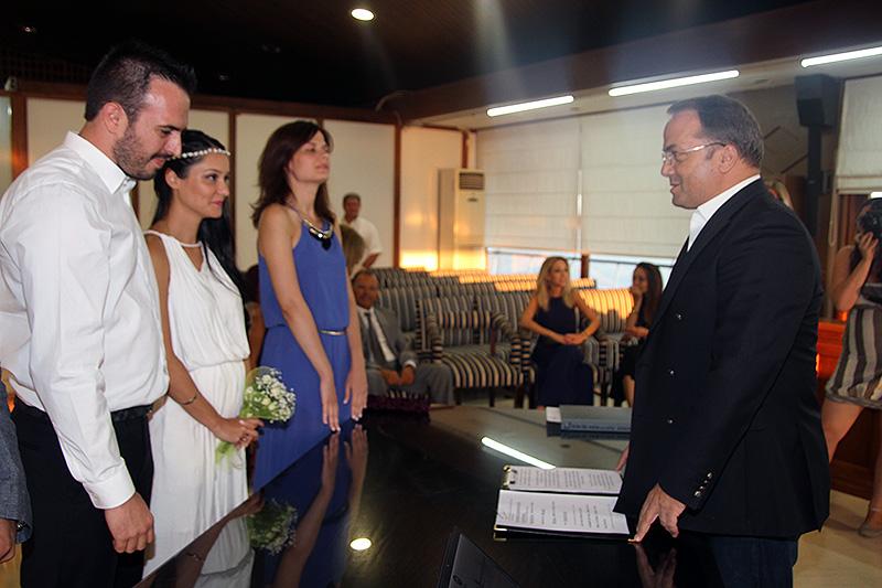 Πέμπτες οι πολιτικοί γάμοι στο Δήμο Βάρης Βούλας Βουλιαγμένης