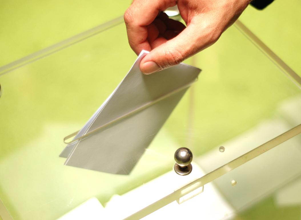 Στο τυπογραφείο τα ψηφοδέλτια του δημοψηφίσματος