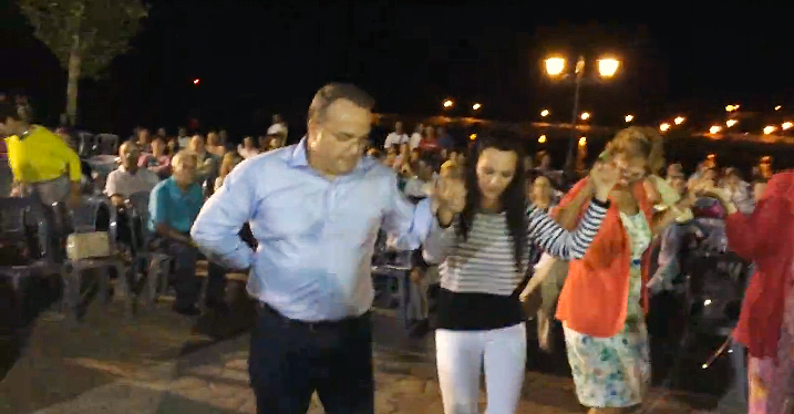 Χιλιάδες κόσμου στην ηπειρώτικη βραδιά στη Βάρη (video)