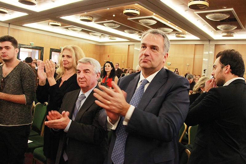 Γαλάζιες σταυρο-μαχίες στην Αττική για μια θέση στο κοινοβούλιο