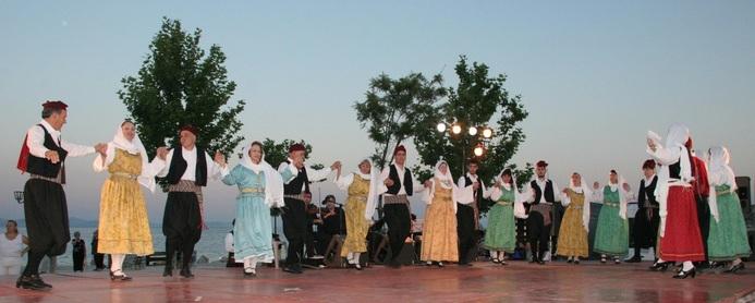 Βραδιά παραδοσιακών χορών στη Βάρη