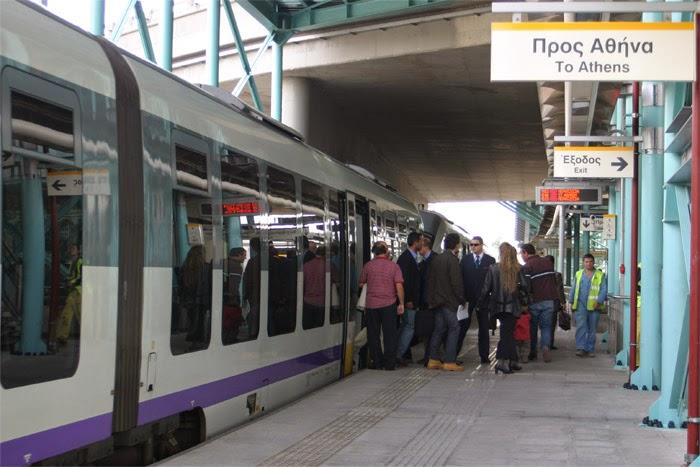 Διαλύεται η υποδομή του Προαστιακού, οργή των επιβατών!