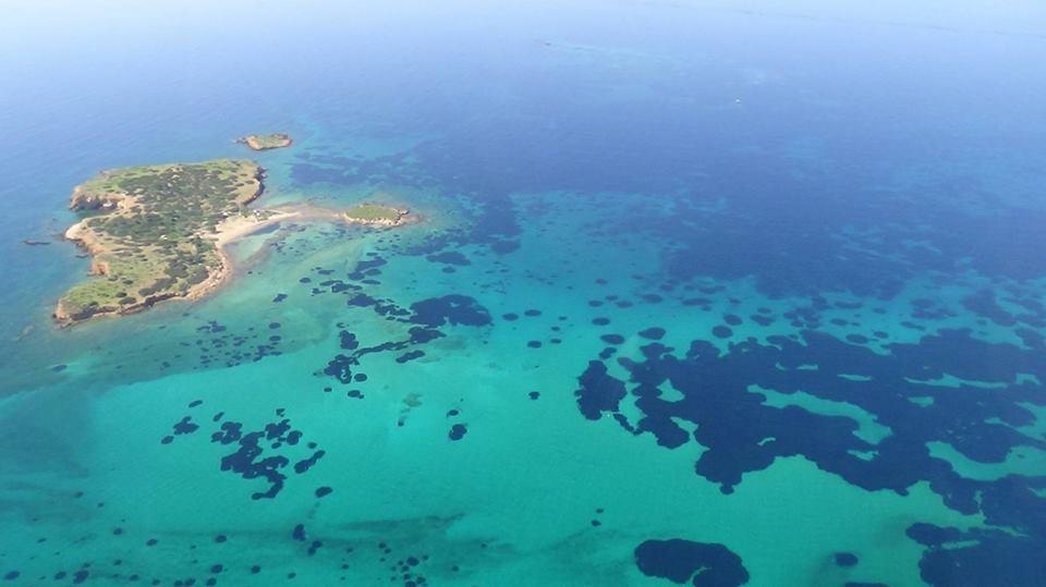 Μπάνιο στην Υδρούσα κατά της κακοποίησης του νησιού