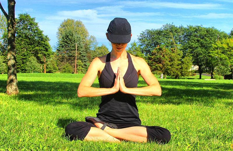 Επικίνδυνη η yoga κατά τη Μητρόπολη Γλυφάδας