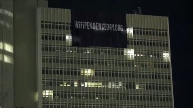 Wifipendenceday: Διαφημιστικό τρίκ η «εισβολή» στο κτίριο του ΟΤΕ