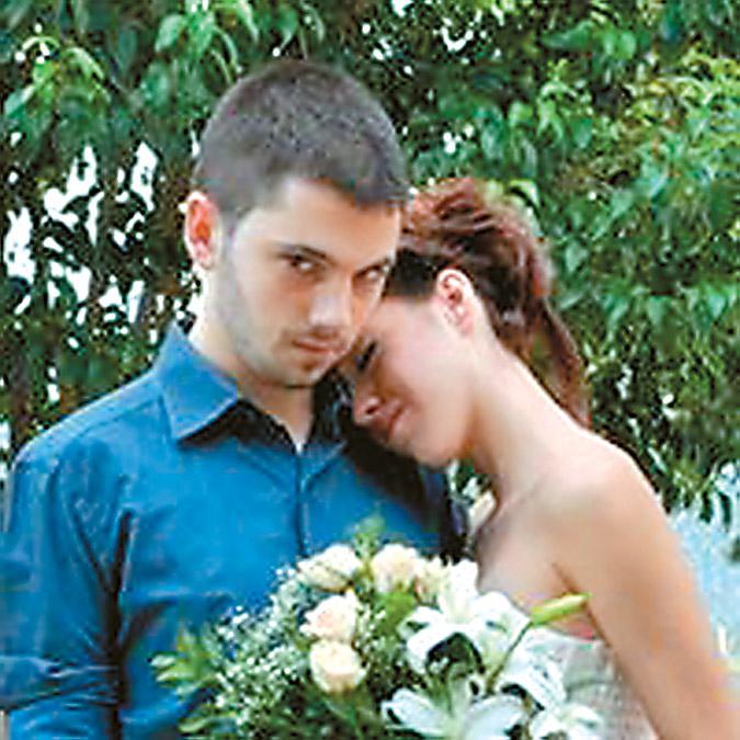 Ο Νϊκος και η ΒΙργινία την ημέρα του γάμου τους
