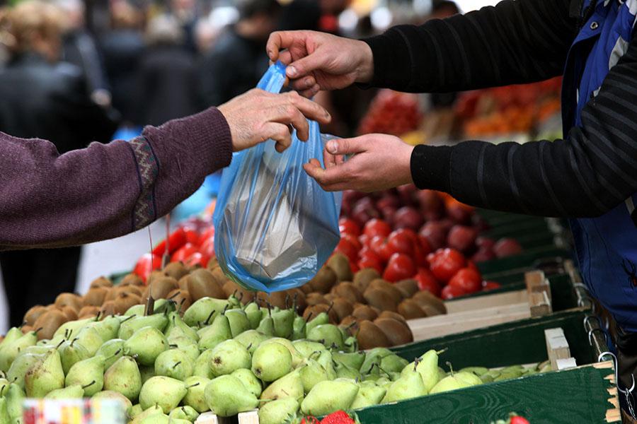 Νέα θέση για τη λαϊκή αγορά της Βάρης