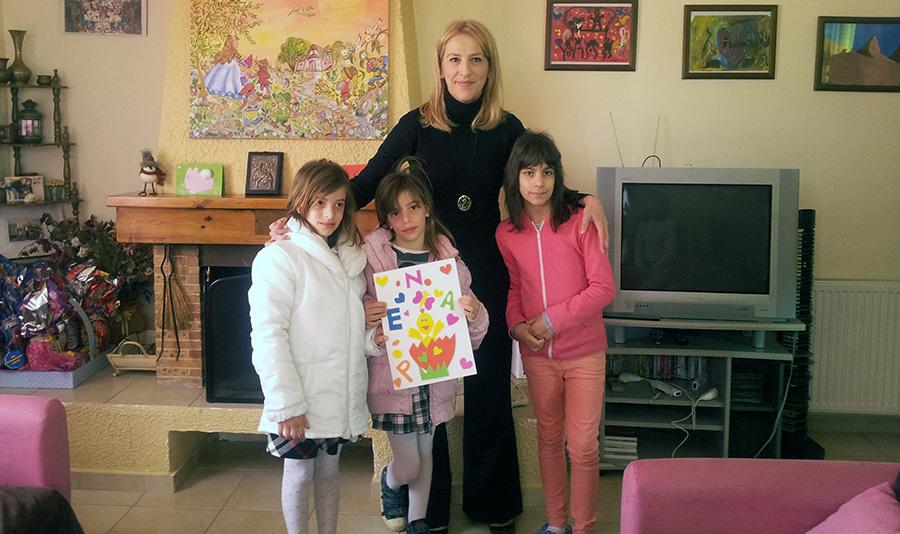 Στο παιδικό χωριό SOS Βάρης η Ρένα Δούρου