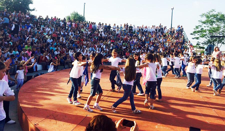 Χορός για την ξινιτιά από μαθητές δημοτικού