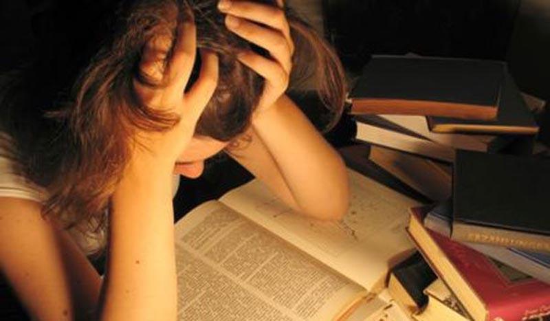 Πώς να αντιμετωπίσουμε το άγχος των πανελλαδικών εξετάσεων