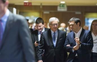 Πάγωσαν τα χαμόγελα στη συνάντηση Τσίπρα-Γιούνκερ στις Βρυξέλλες