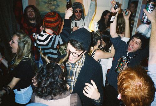 Οδηγός Επιβίωσης στα πάρτυ της Αριστεράς