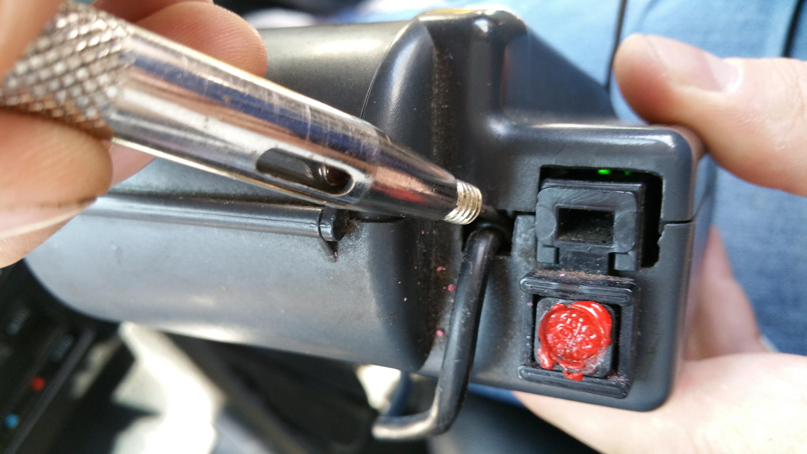 Συνελήφθησαν δεκατέσσερις επιτήδειοι ταξιτζήδες για επέμβαση σε ταμειακές μηχανές και ταξίμετρα!