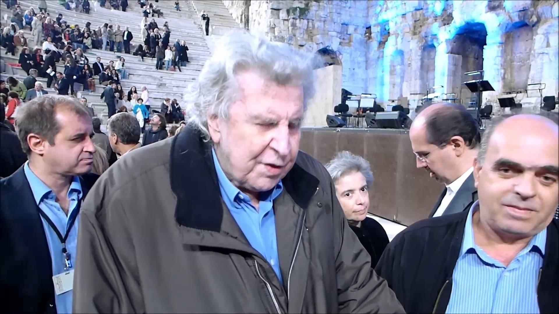 Μίκης: Ντρέπομαι να γιορτάζω στο Ηρώδειο όταν οι γέροντες υποφέρουν και πεινάνε