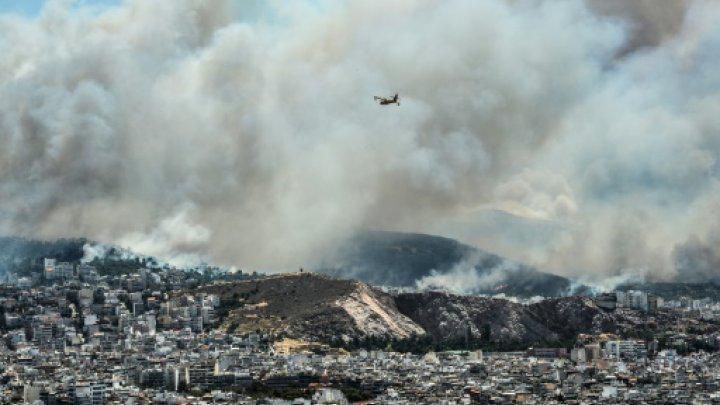 Απειλεί τα Νότια Προάστια η πυρκαγιά του Υμηττού (συνεχής ενημέρωση)