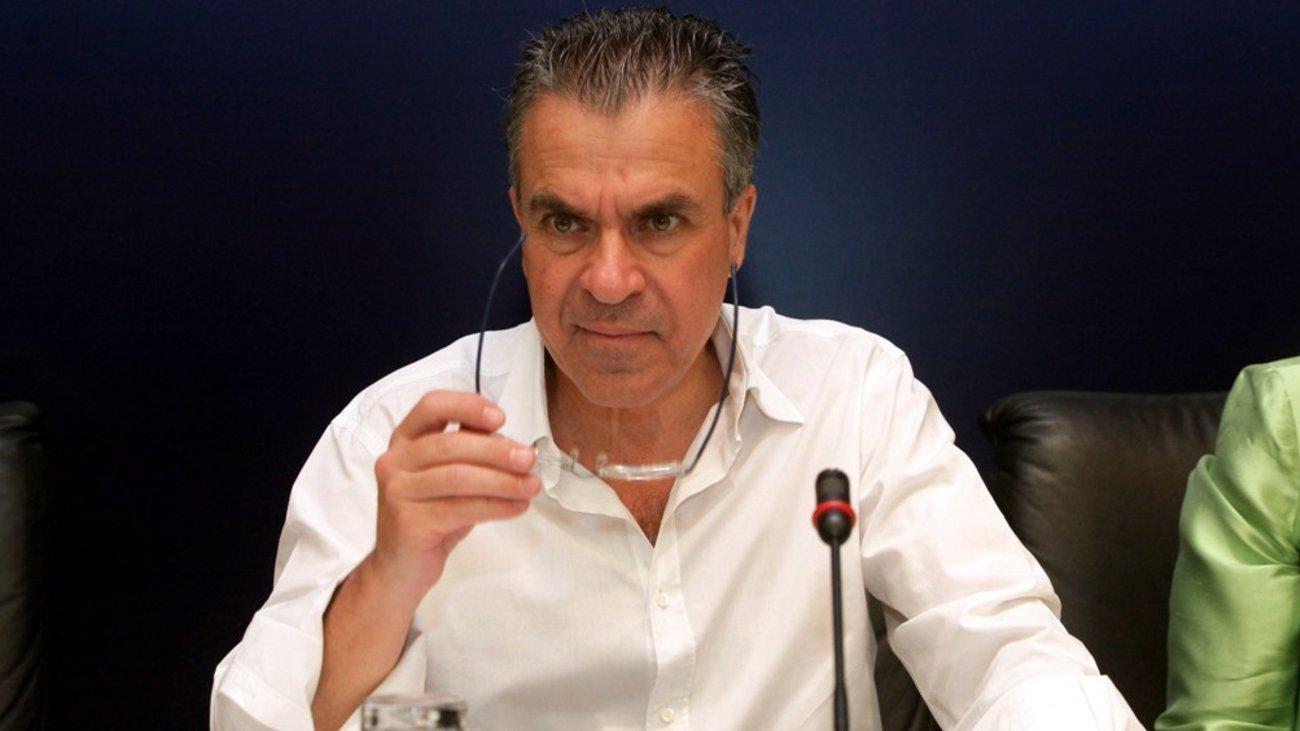 Αργύρης Ντινόπουλος: Συκοφάντησε τη Δούρου και το πληρώνει