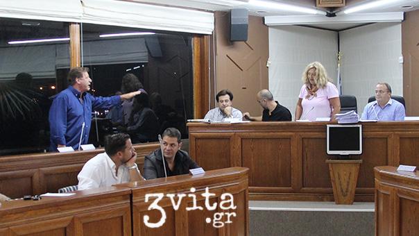 Διάλογοι ντροπής στο Δημοτικό Συμβούλιο των 3Β (video)