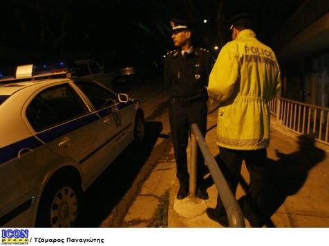 Θρασύτατη ληστεία οδηγού στη Βάρη τα ξημερώματα