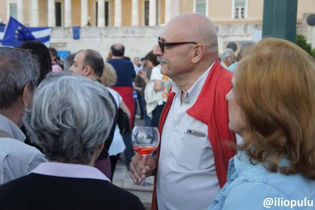 Στα σαγόνια της εφορίας το ελληνικό κρασί;