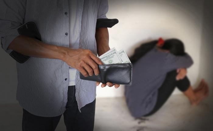 Σύλληψη μαστροπών στη Γλυφάδα