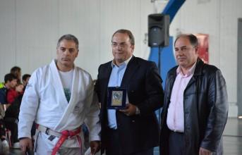 Ο Λεύκαρος βράβευσε τον Γρηγόρη Κωνσταντέλλο