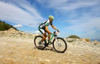 Προπόνηση στη Βουλιαγμένη για ποδηλάτες και δρομείς