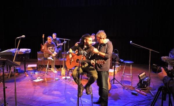 Ο «Ντάνι ο Πρόσφυγας» μάγεψε με την κιθάρα του τον Νταλάρα!
