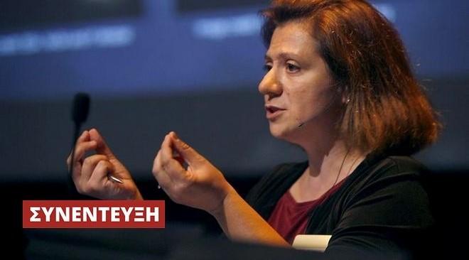 """""""Ακούγοντας"""" το σύμπαν: Η Eλληνίδα αστροφυσικός των βαρυτικών κυμάτων"""