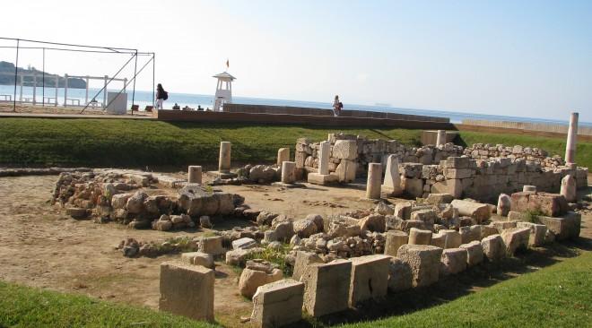 Σε επισκέψιμο χώρο θα μετατραπεί ο Ναός του Απόλλωνα Ζωστήρα στον Αστέρα Βουλιαγμένης