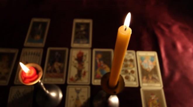 Τι συμβολίζουν οι κάρτες Ταρώ και πώς γίνονται οι προβλέψεις