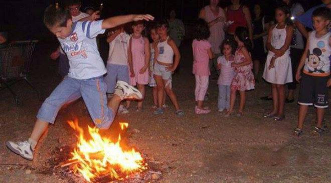Παραδοσιακοί χοροί του Άη Γιάννη στη Βούλα
