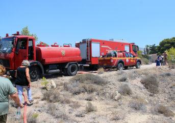 Πυρκαγιά στη χερσόνησο του ΠΙΚΠΑ Βούλας