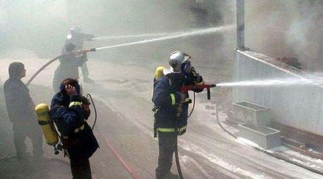 Αναστάτωσε τη Βάρη φωτιά στο Κορωπί (video)