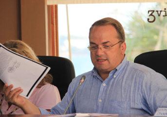 Διαψεύδει τη συναλλαγή του Δήμου με offshore ο Κωνσταντέλλος