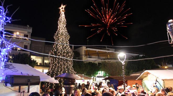Στις 8 Δεκεμβρίου ανάβει το χριστουγεννιάτικο δέντρο στη Βούλα