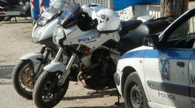 Συνέλαβαν ναρκεμπόρους στα Λιμανάκια της Βουλιαγμένης