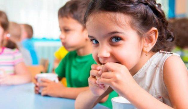 Έντεκα εκατομμύρια σχολικά γεύματα σε εβδομήντα χιλιάδες μαθητές δημοτικού