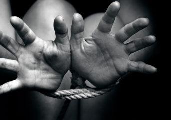 Διαμέρισμα στη Βουλιαγμένη ήταν φυλακή για θύματα τράφικινγκ