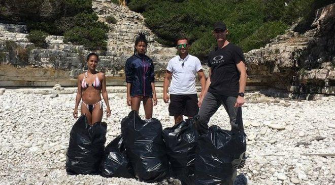 Η κόρη του Γουίλ Σμιθ καθάρισε τις ελληνικές παραλίες από 22 σακούλες σκουπίδια!