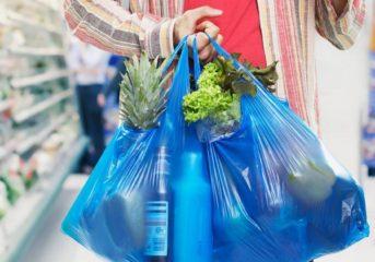 Τέλος η δωρεάν πλαστική σακούλα στα σούπερ μάρκετ
