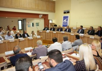 Κωνσταντέλλος: Ανήμποροι οι Δήμοι μπροστά στη θαλάσσια ρύπανση