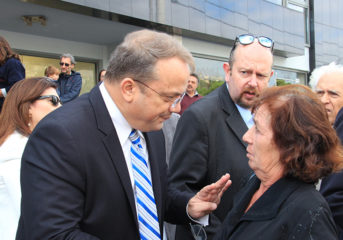 Υποψήφιοι για αποχώρηση 3 σύμβουλοι του Κωνσταντέλλου