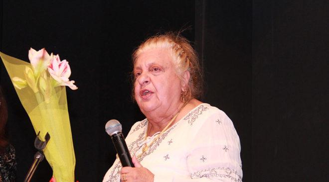 Η καθηγήτρια Βούλα Λαμπροπούλου παρουσιάζει το βιβλίο της στη Γλυφάδα