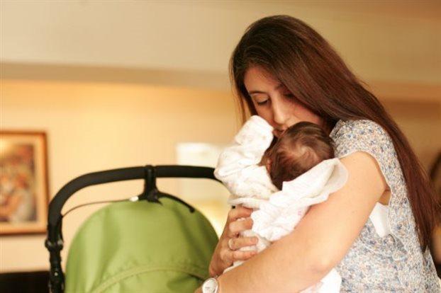 Επίδομα μητρότητας για γυναίκες ελεύθερες επαγγελματίες