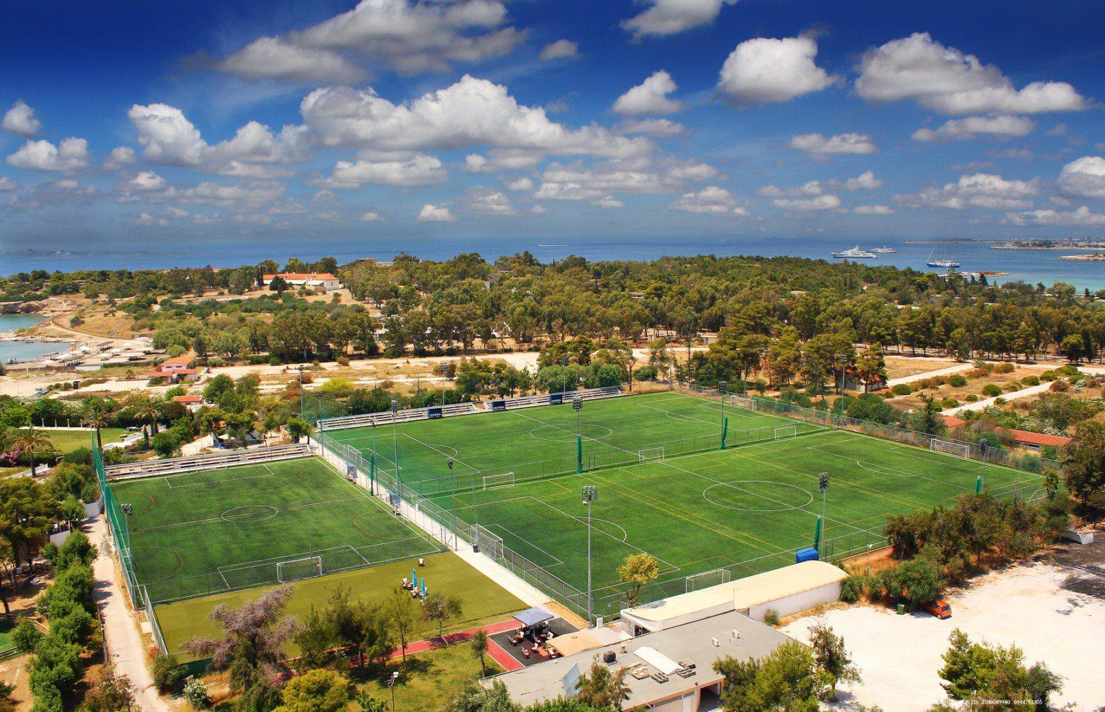 Ποδόσφαιρο για καλό σκοπό από τη Μητρόπολη στη Βούλα