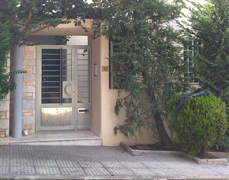 Τρόμος από εισβολή ληστών σε σπίτι στη Βούλα