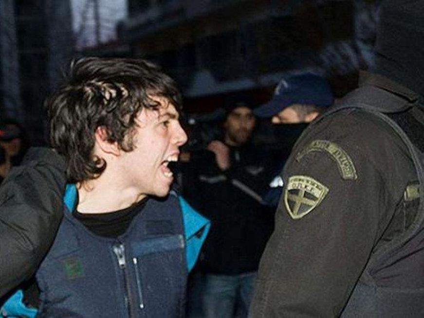 Υπουργός Παιδείας: Να δοθεί άδεια στους απεργούς πείνας Ρωμανό-Κωστάρη να σπουδάσουν